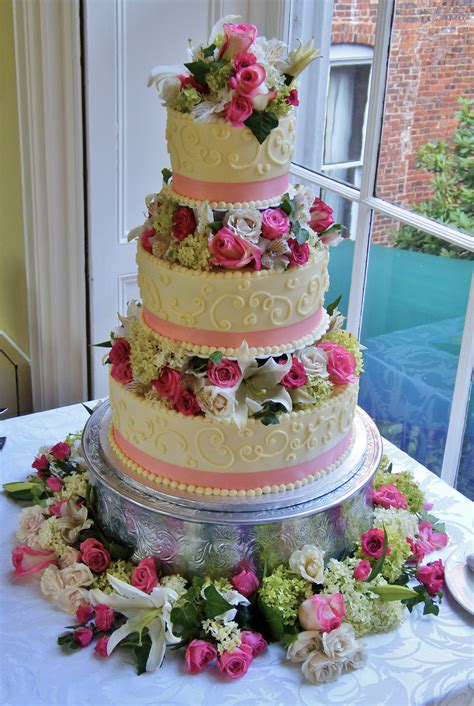 buttercream wedding cake pictures